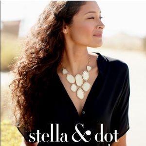 Stella & Dot Fiona gold pearl bib necklace